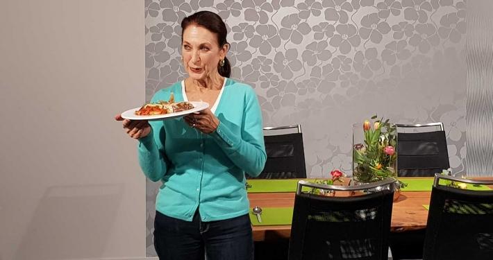 Daniela Ziegler kocht im KÜCHEN ATELIER GROHS